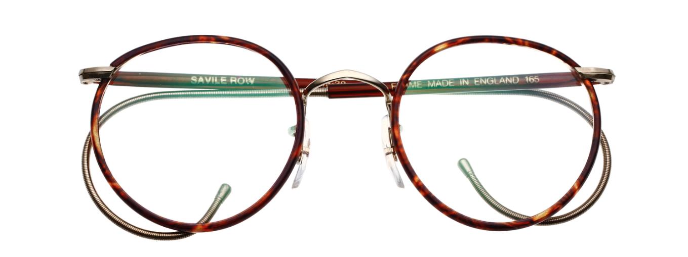 Masunaga vann 2015 för tredje året i rad en av glasögonvärldens finaste  utmärkelser Silmo d´Or för årets glasögonbåge. a8f83190a5ebb