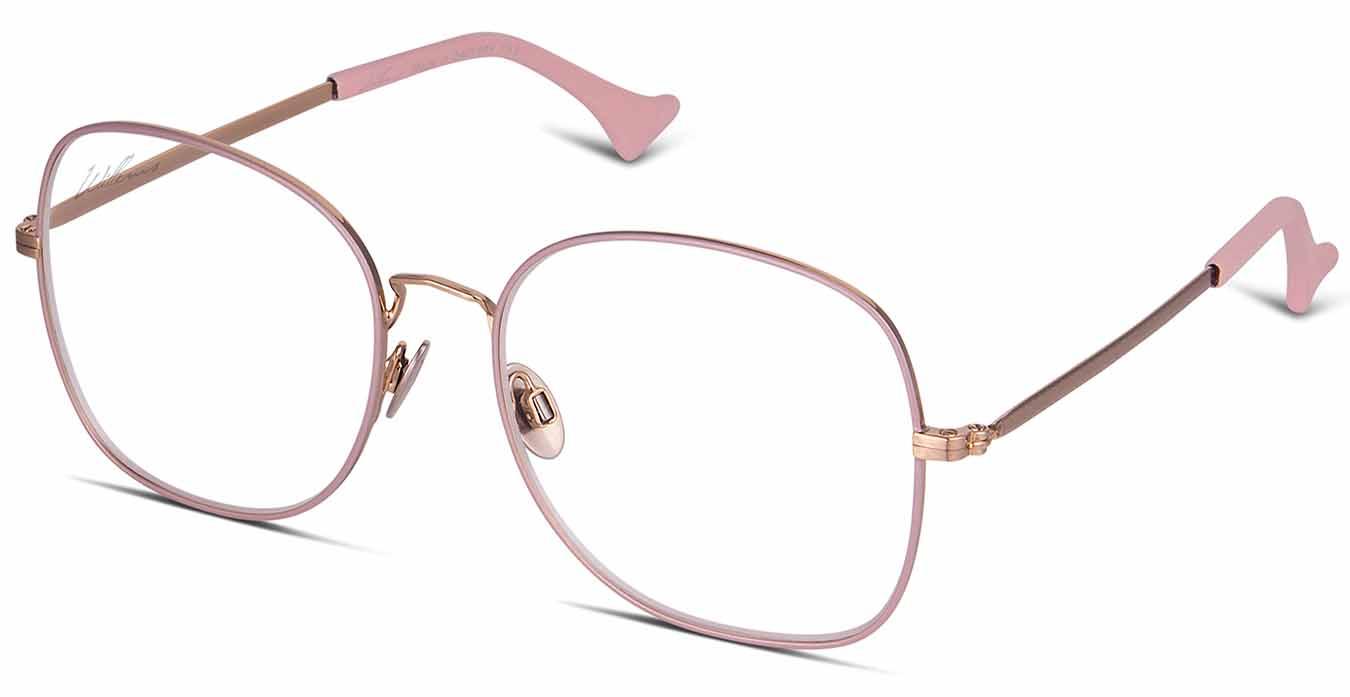 Kajsa på Drottninggatan i sina fina Willems Eyewear runda glasögon. Den här  modellen är egentligen ett par solglasögon som hon har bytt glas i. ae34704c23250