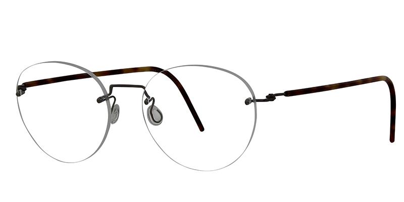 Modellerna är många gånger uppseendeväckande men perfekt avvägda så de är  väldigt lättburna. Du som söker det lilla extra när det gäller glasögon ska  kika ... 7266433c17f41