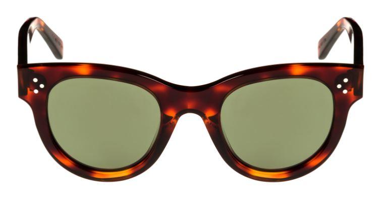 7e275fbfb9 Solglasögon är universalmedlet för att se bättre ut