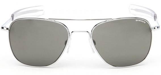 ... från Polen till Amerika för nästan 50 år sedan med stora förhoppningar  och bara 180 dollar på fickan - ungefär kostnaden för ett par solglasögon  idag. b2517ac2c28bc