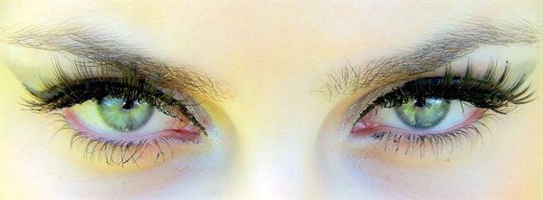 sveda i ögonen